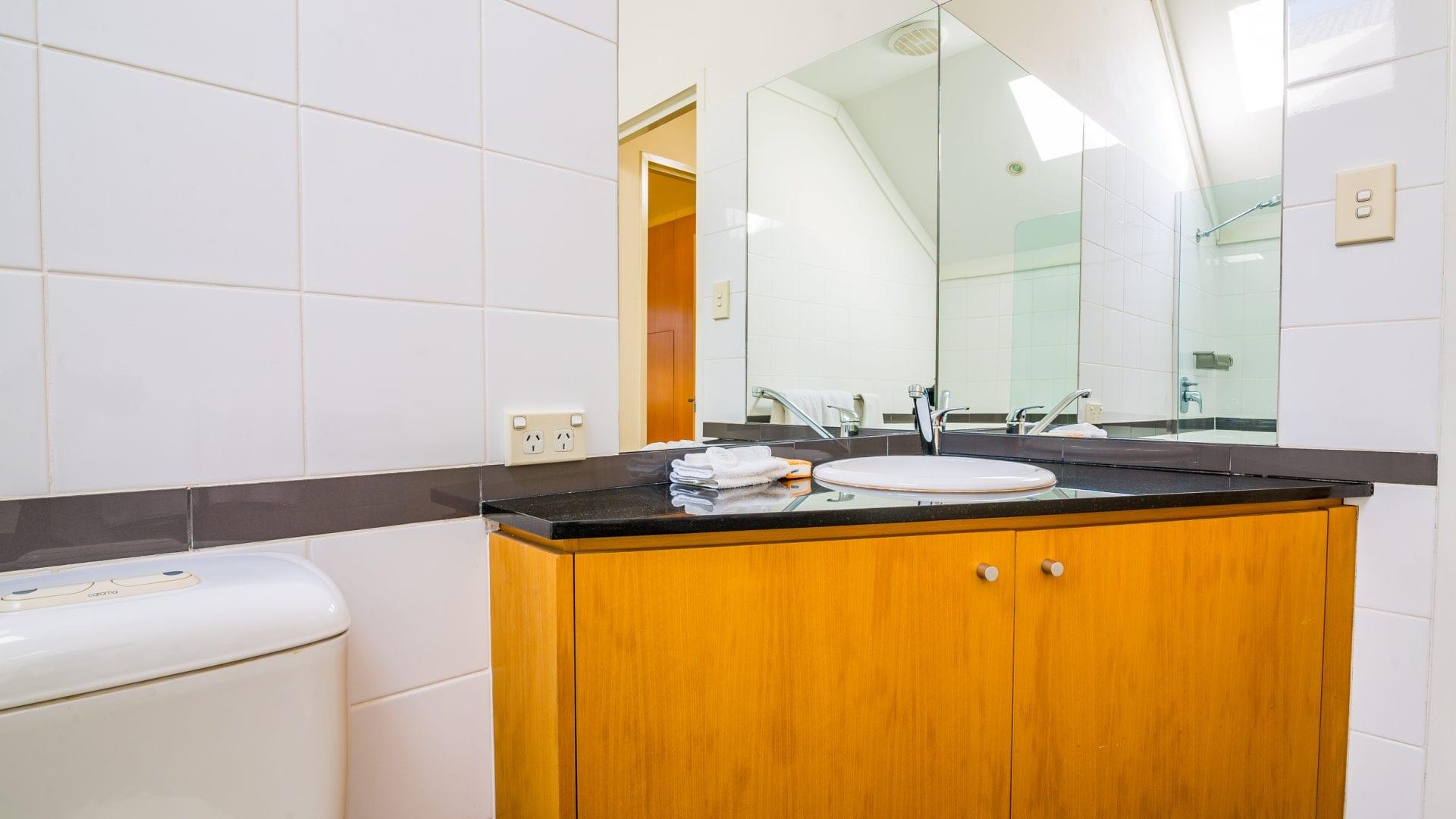 bathroom-3-1920x1080